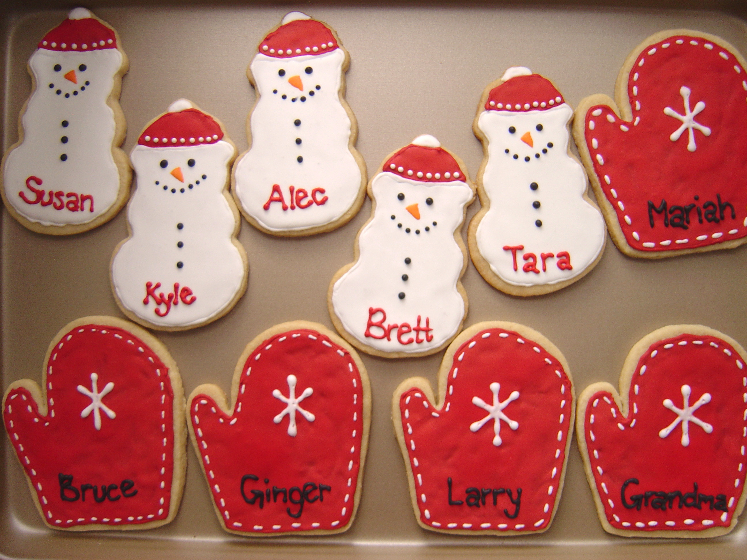 How to make christmas sugar cookies - The Cookie Recipe Is Incredibly Easy And The Same One Though Without The Cinnamon I Used For The Pumpkin Cutouts I Made For Halloween